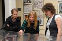 PHOTO: Exhibition visitors admire the exhibits.
